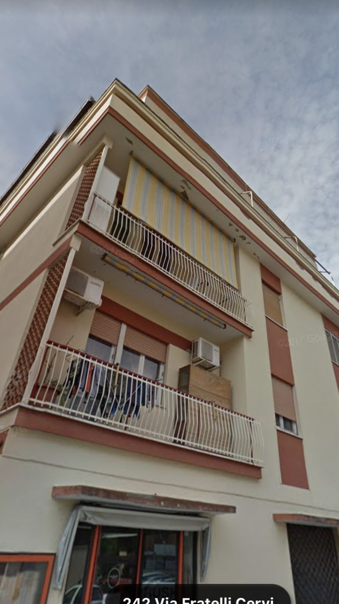 Balcone Aggettante O Incassato