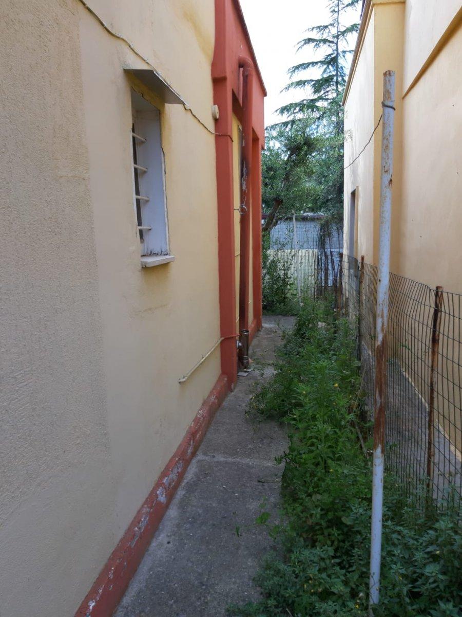 Alzare Un Piano Casa muro di confine e piano casa