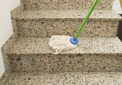 Regolamento contrattuale, modifica criterio di spesa inerente alla pulizia delle scale