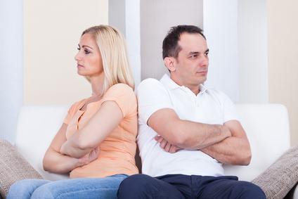 Caso di una coppia sposata ed in separazione dei beni con appartamento condominiale intestato alla moglie, recupero del credito condominiale