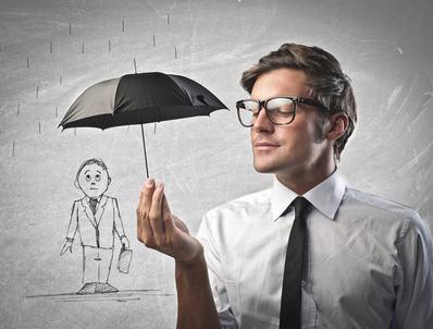 Assicurazione condominiale. Poteri dell'amministratore e competenza dell'assemblea. Le azioni contro la compagnia assicuratrice.
