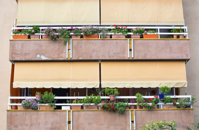 Installazione delle tende da sole le problematiche for Balconi condominio