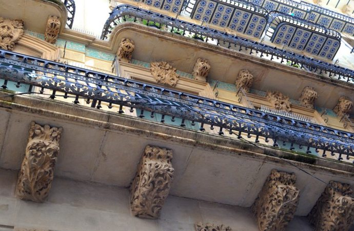 dei balconi aggettanti necessità d\'interventi manutentivi e ...