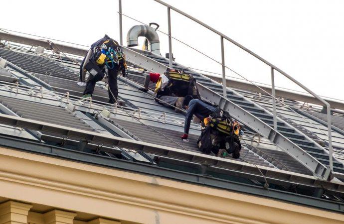 Rifacimento del tetto nel condominio parziale: la votazione in ...