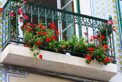 Balcone aggettante posto a piano terra, la Cassazione conferma: si tratta di un parte di proprietà esclusiva