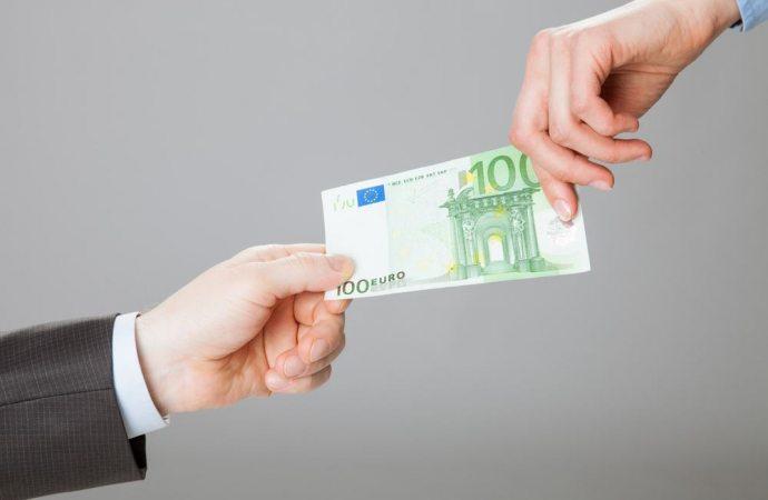 Che cosa si può fare se si scopre che l'amministratore non paga i fornitori nonostante i versamenti dei condomini?