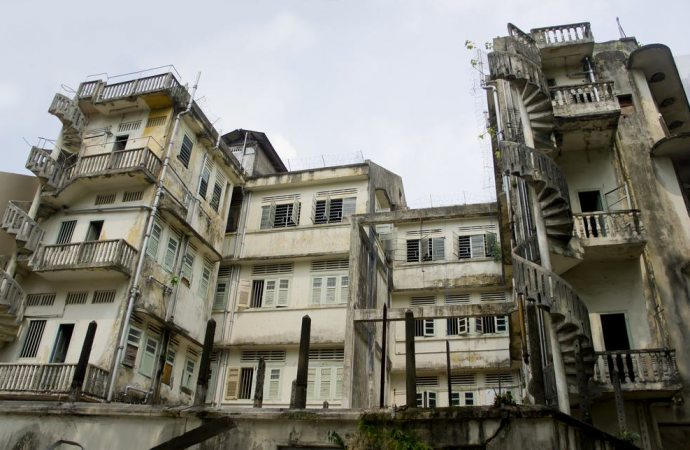 Casa in condominio non abitata: perché il proprietario deve partecipare alle spese condominiali?
