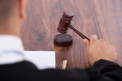 Regolamento condominiale: il giudice può approvare quello proposto da un condomino ma non formarne uno di sua iniziativa