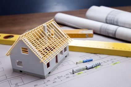 Gravi difetti dell'immobile e responsabilità concorrenti del costruttore e della compagine condominiale