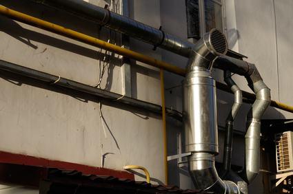 Canna fumaria: quando può essere installata sulla parete comune. Le condizioni e le limitazioni contrattuali