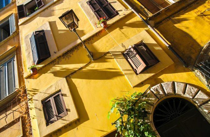 I comproprietari di un'unità immobiliare rispondono in solido delle obbligazioni condominiali