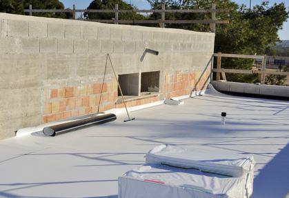 Per la pulizia del lastrico solare di proprietà esclusiva il condominio deve chiedere le chiavi al suo proprietario