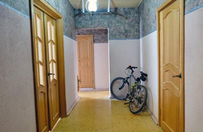 E' possibile poggiare la bicicletta nell'androne senza essere rimproverati dall'amministratore o dai condomini?