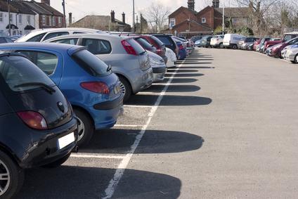 Non si può usucapire la servitù di parcheggio