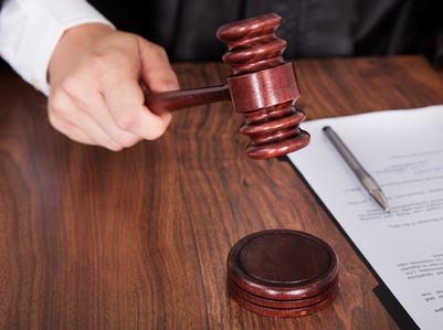 Far rispettare il regolamento: l'amministratore può agire in giudizio senza autorizzazione dell'assemblea