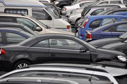 Se ci sono più condomini che parcheggi è legittimo deliberare l'uso turnario