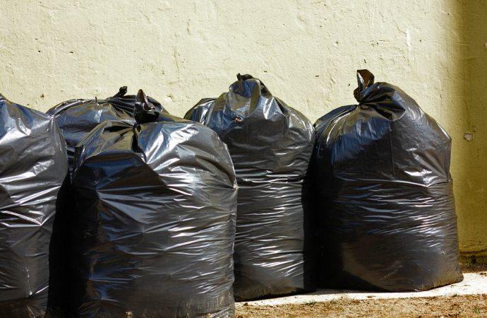 Uso delle parti comuni: il caso della spazzatura sul pianerottolo tra tolleranza e illegittimità