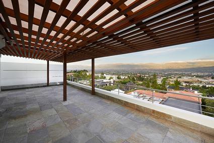 Trasformare il tetto in un terrazzo ad uso della mansarda - Casa in legno su lastrico solare ...