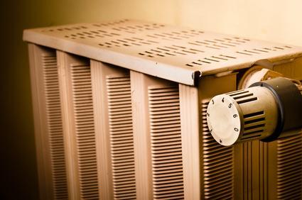 Il condomino non deve sfiatare le valvole dei termosifoni per far uscire le bolle d'aria