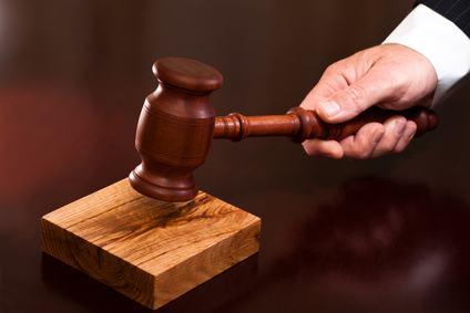 Decreto ingiuntivo fondato su una deliberazione nulla: per la sua revoca non è necessaria l'impugnazione