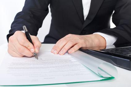 L'amministratore condominiale firma i contratti come rappresentante di un gruppo di consumatori