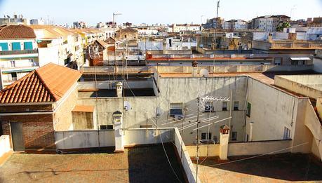 Lastrici solari e terrazze a livello: quando l'azione va proposta solamente contro il condominio?