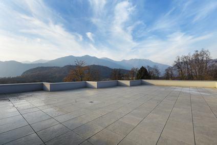 Lastrico solare e terrazza. Differenze, responsabilità nella ...