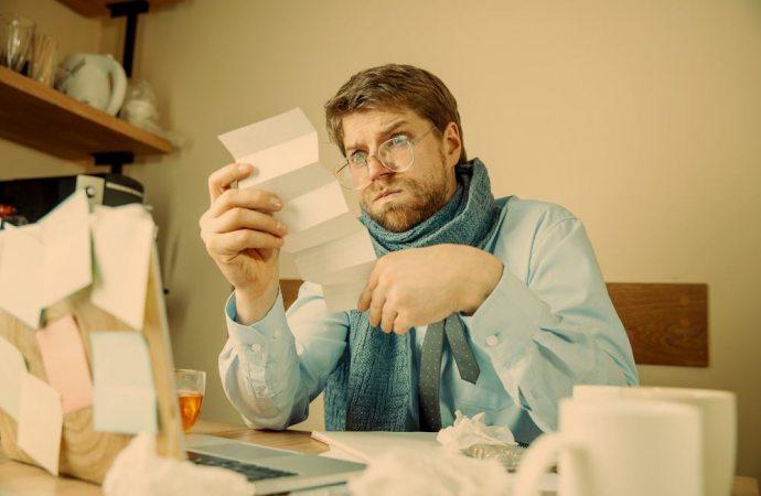 Perché il condomino che lamenta danni deve continuare a pagare le spese condominiali?