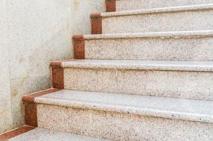 Le scale sono parti di proprietà comune a tutti i condomini a meno che non sia stabilito il contrario