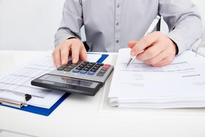 Perché il condomino deve sempre pagare all'amministratore le spese anche se il pagamento del fornitore è incerto?