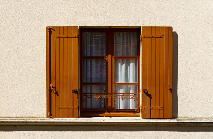 Aperture di finestre e luci il vicino pu sempre chiedere - Parapetto finestra ...