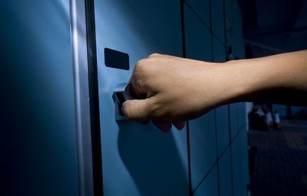 Rubare cose presenti nel cortile condominiale vuol dire commettere il reato di furto in abitazione