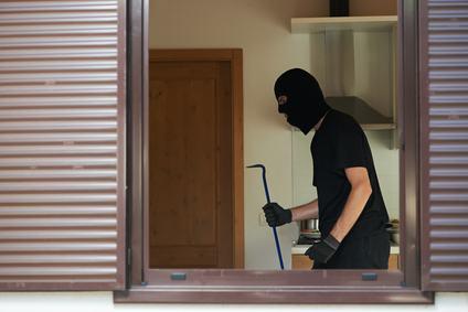 Perché l'impresa appaltatrice ed il condominio possono rispondere dei danni conseguenti ad un furto in appartamento?