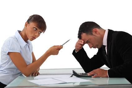 Case in condominio: perché il compratore può essere chiamato in causa per il pagamento di somme dovute dal venditore?