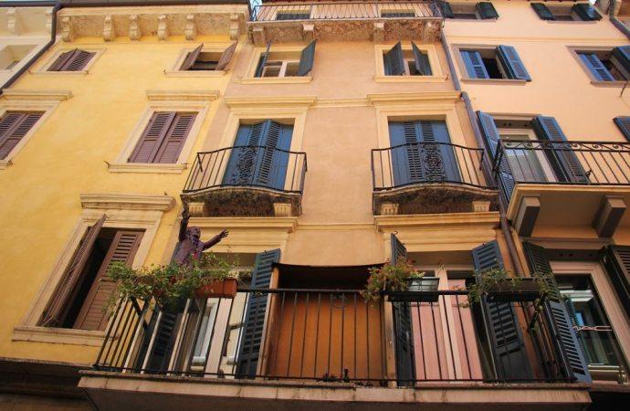 Acquisto di una casa in condominio: l'amministratore deve collaborare per evitare la sgradita sorpresa delle spese arretrate