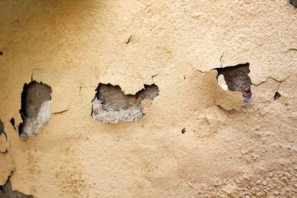 Danni da infiltrazione: il danneggiato rischia la beffa se i danni seguono un acquazzone prolungato