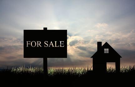 Vendita di un immobile ed inadempimento del mediatore all'obbligo di informare. Il regolamento di condominio è vincolante.