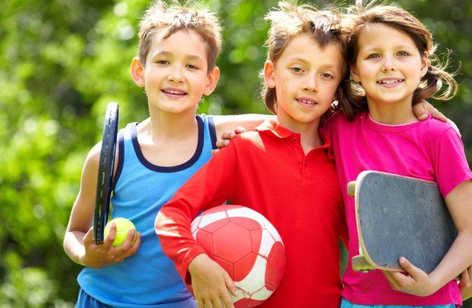 Che cosa fare se i bambini dei vicini giocano nel cortile condominiale nelle prime ore del pomeriggio?
