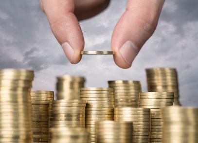 """Risparmiare sulle spese condominiali? Si può iniziare """"licenziando"""" l'amministratore. Attenzione, però, a non cadere dalla padella nella brace"""