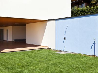 I muri perimetrali possono essere utilizzati da tutti i condomini ma la loro primaria funzione non può essere snaturata