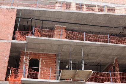 """Se i balconi sono troppo """"invadenti"""" si blocca la costruzione del palazzo."""