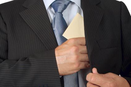 Come dimostrare che l'amministratore intasca una mazzetta per poterne chiedere la revoca giudiziale?