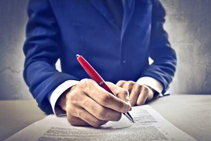 Come sapere se l'amministratore è legittimato a firmare un contratto con un terzo
