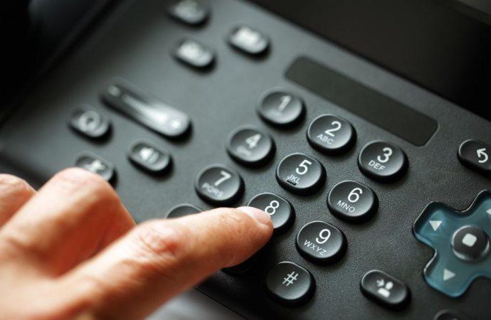 La delega telefonica vale quanto il due di picche. E' necessaria la forma scritta. Si alla delega via fax e via email.
