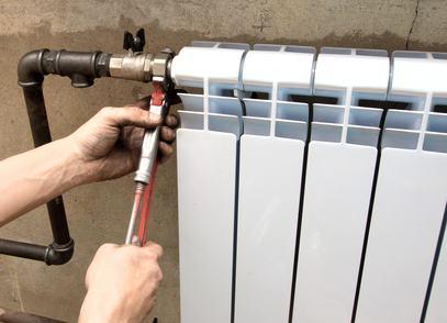 Risparmiare sul riscaldamento anche negli edifici di vecchia costruzione si può. Ecco alcuni rimedi