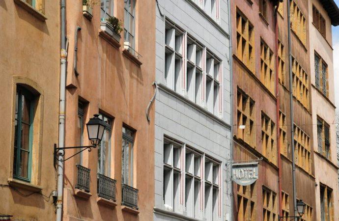 Le spese per la consulenza tecnica disposta dal condominio devono essere ripartite secondo i millesimi