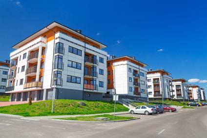 L'amministratore di condominio non ha alcun potere di azione per i gravi difetti di costruzione negli appartamenti