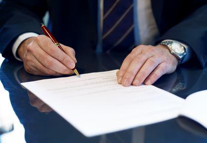 Una firma può costar caro. I limiti del mandato dell'amministratore di condominio.