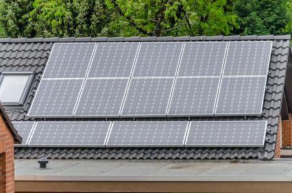 La prevenzione incendi si applica anche agli impianti fotovoltaici installati sul tetto.