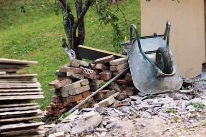 Costruzione o ristrutturazione con materiale scadente